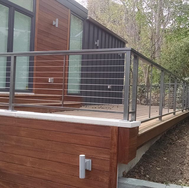 #Decksandrails #construction #decks #railings #cablerail #cable #stainless #aluminum #modern awesome compilation of prior projects! #hgtv