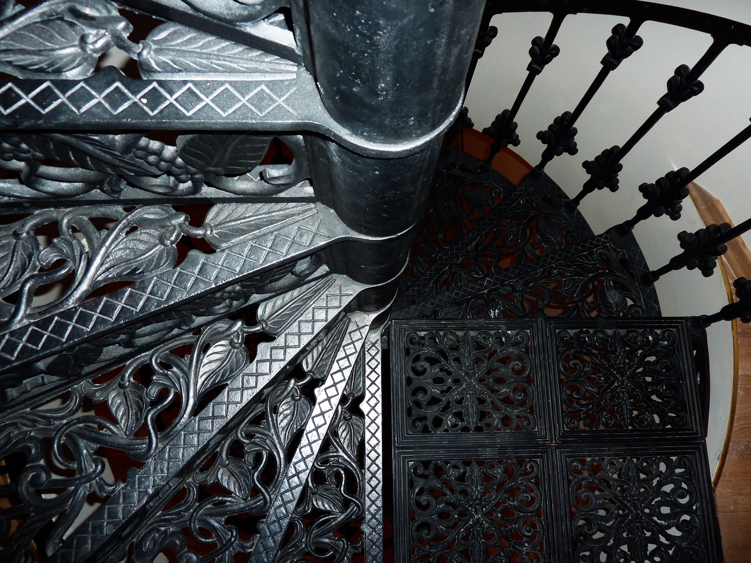 A Special Piece - A three story flat in a historical building. One of the features is a nine metre iron wrought bespoke spiral staircase.See more >