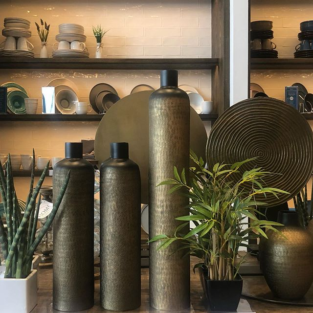 Update your home Accessories🏡 Contact us to help you get pieces for your home. Let us help you style your beautiful home. Home styling @art_and_accessories  #homedecor #irishdesign #ezlivinginteriors #homesweethome #irishinteriordesign