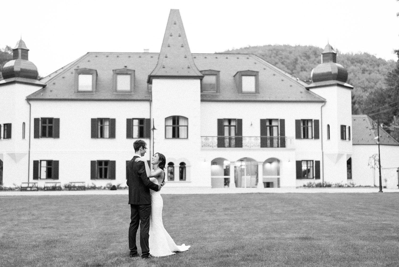 castle wedding budapest fineart photography-58.jpg
