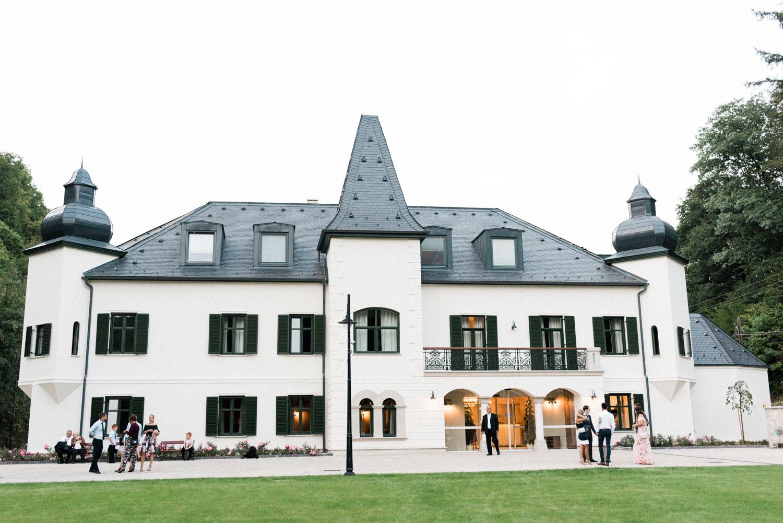 castle wedding budapest fineart photography-59.jpg