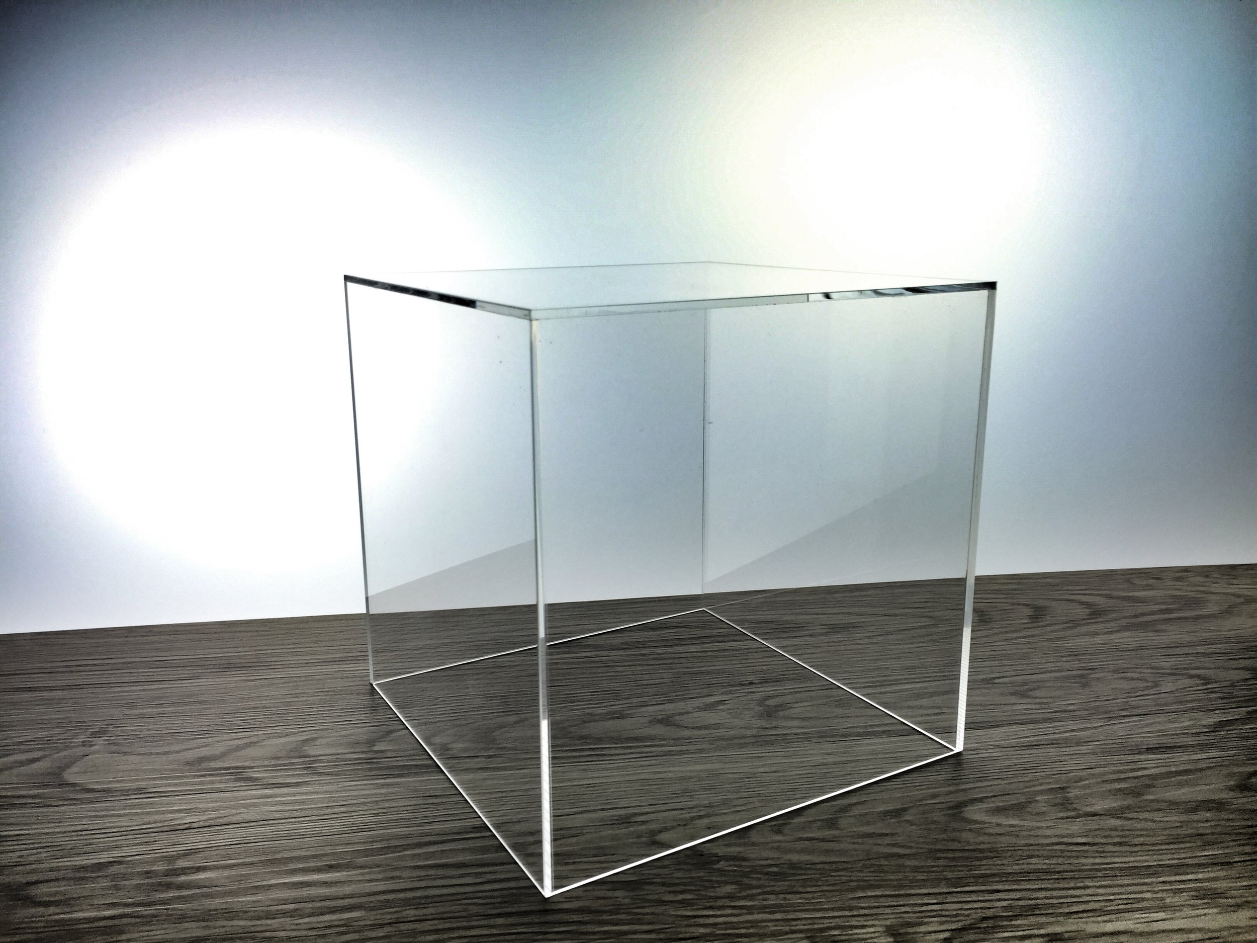 Hauben aus Acrylglas