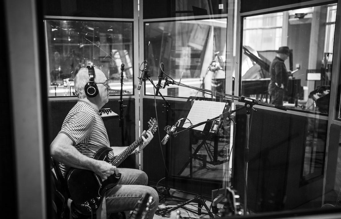 Guitarist Robbie McIntosh recording album with Paul Carrack at Air Studios