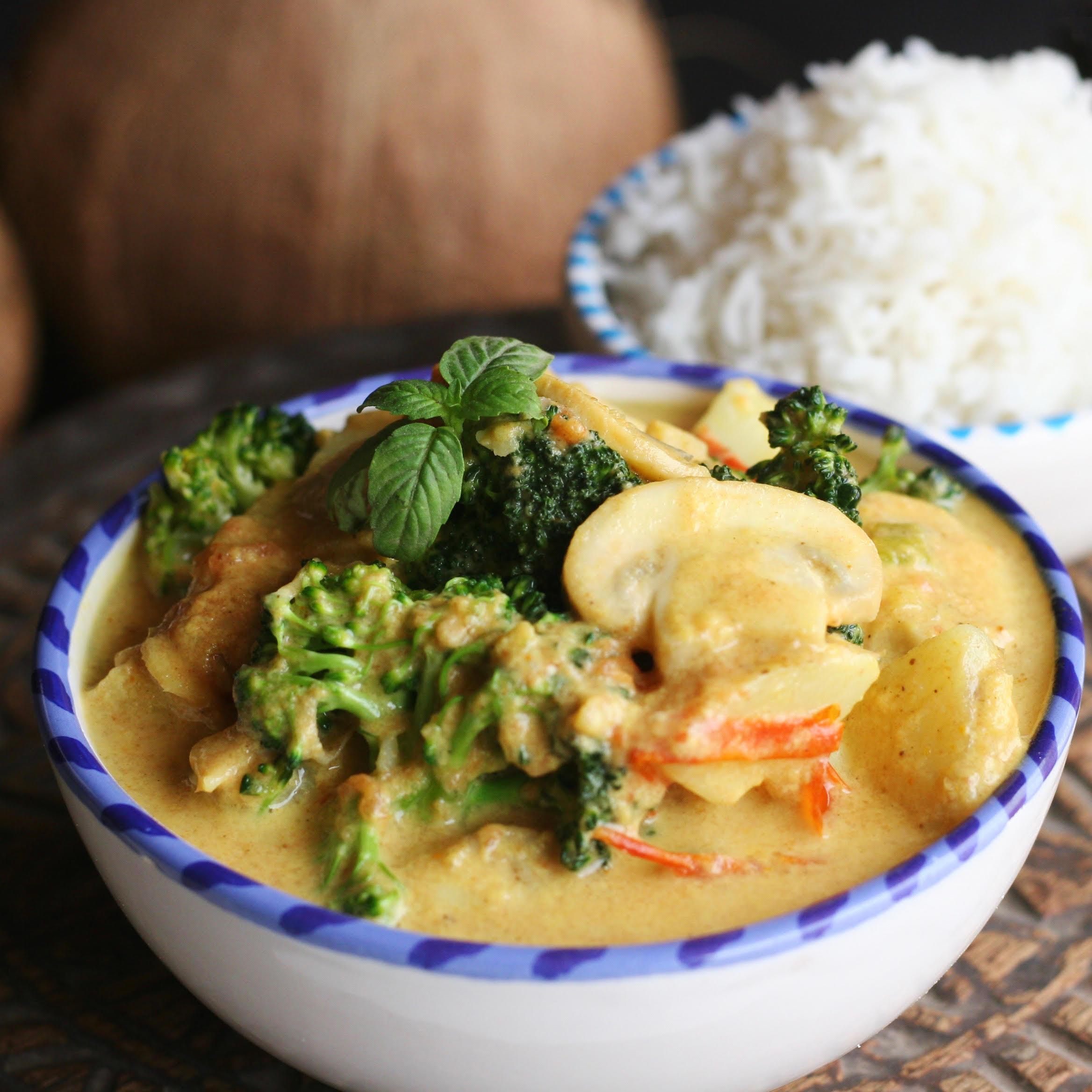 الغداء 2 - كاري جوز الهند بالخضراوات