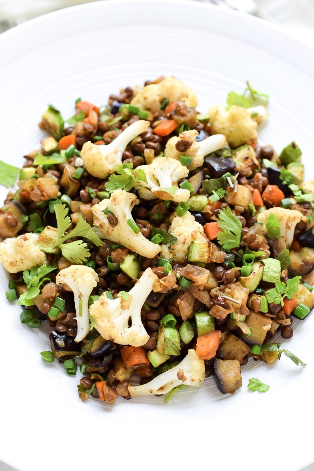 العشاء 4 -  العدس المتبل والخضروات المشكلة