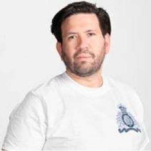 Louis Zuniga -  Services nationaux à la jeunesse de la GRC   bio →