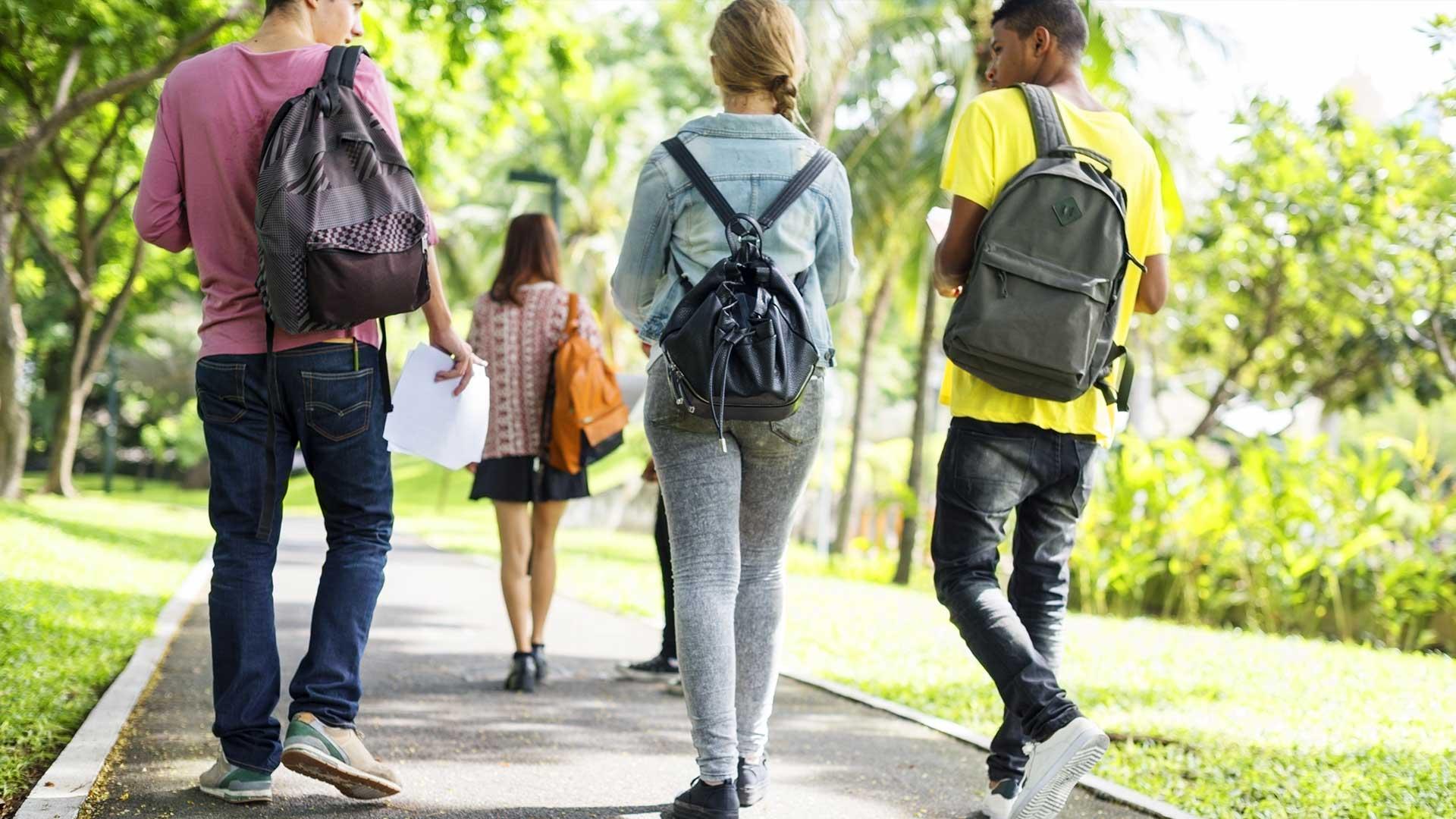 Ressources pour les jeunes - → Gouvernement du Canada : Les faits pour les jeunes de 13 à 17 ans→ CAMH : La vérité crue, Guide pour les jeunes sur le cannabis→ Jeunesse, J'écoute : Le cannabis : ce qu'il faut savoir