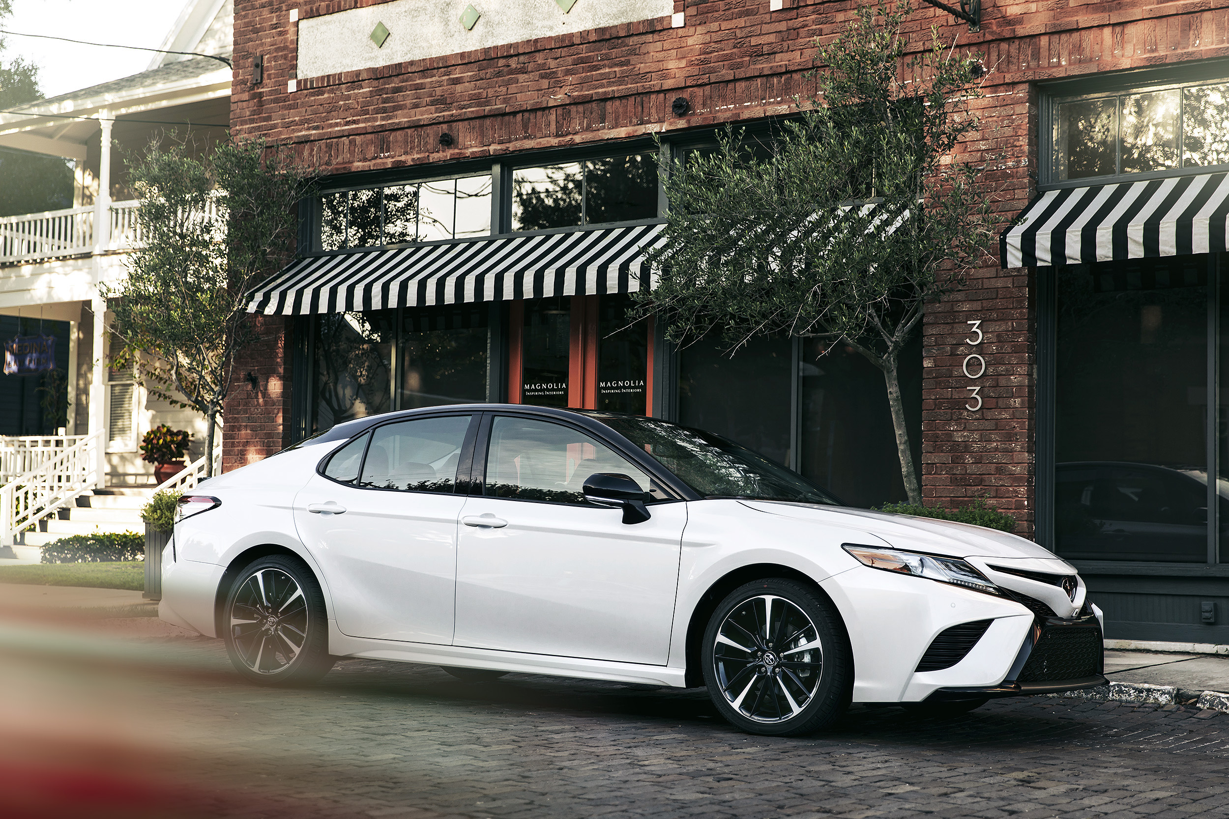 Camry-Selects-03sm.jpg