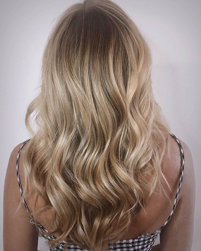 "Color by @laurenashley.hair . ""Goldilocks 👩 Carolyn was always a partial highlight kind of girl but only likes to come into the salon every once and a while so we made the transition into balayage but still foiling the hair line for that extra pop 💥 who else likes to use multiple techniques? 🙋‍♀️ . . . . . . . . #rva #rvasalon #rvahairstylist #rvacolorist #rvabalayage #blonde #blondeinspo #dimensionalcolor #dimensionalblonde #warm #natural #blondeme #schwarzkopf #schwarzkopfusa #b3brazilianbondbuilder #davines #davinesview #waves #layeredhaircut #bumblepro #bumbleandbumble #beautylaunchpad #mastersofbalayage #behindthechair #hairbrained #hairinspo #summerhair #handpainted #framar #cosmoprofbeauty"""