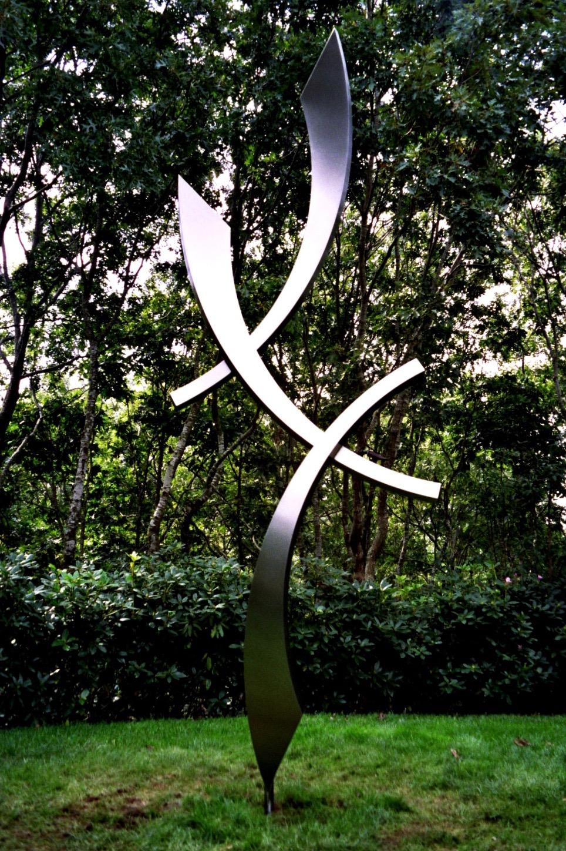 Seranata, 2007, stainless steel, 8 x 36 x 20 in, SOLD