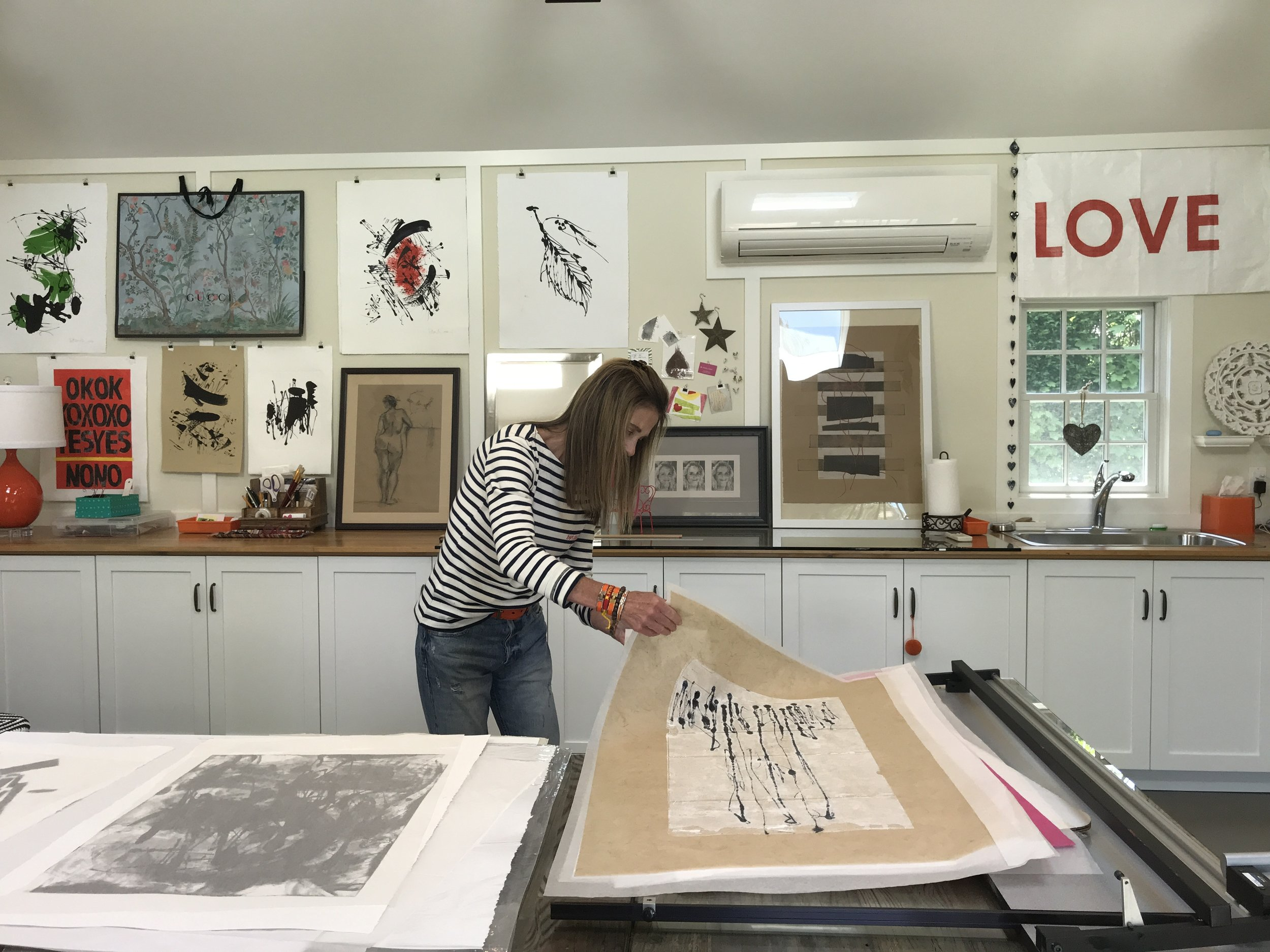 Find out how to VISIT a folioeast artist's studio   > >