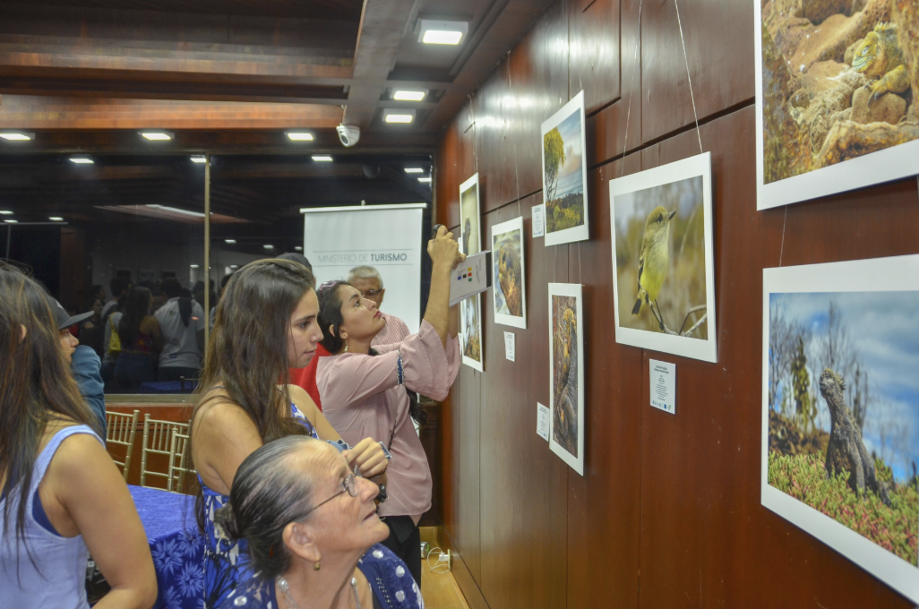 "Figure 18 . Inauguration of the ""Galapagos Natural Inspiration"" exhibit in 2018. Photo: Andrés Morales"
