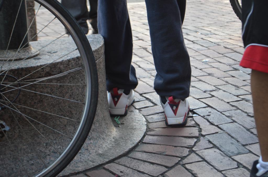 Air Jordan VII Retro in the Olympic colorway