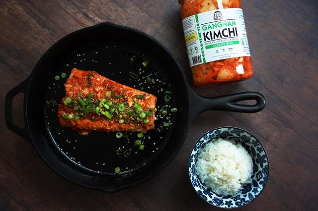 Did you know we have 32oz jars of kimchi? A big hit with die-hard kimchi fans  or big family gatherings! Check out our sizing and flavor selection online now at www.eatgangnamkimchi.com 🌶 . . . . . . . #eat #instagram #photooftheday #chef #retail #kimchi #picoftheday #breakfast #gangnam #gangnamkimchi #distribution #cooking #follow #restaurant #foods #foodlovers #chicken #healthy #foodlove #chicago #nomnom #vegan #foodbloggers #streetfood #hungry #pizza #kpop #spicy #korean #b2b