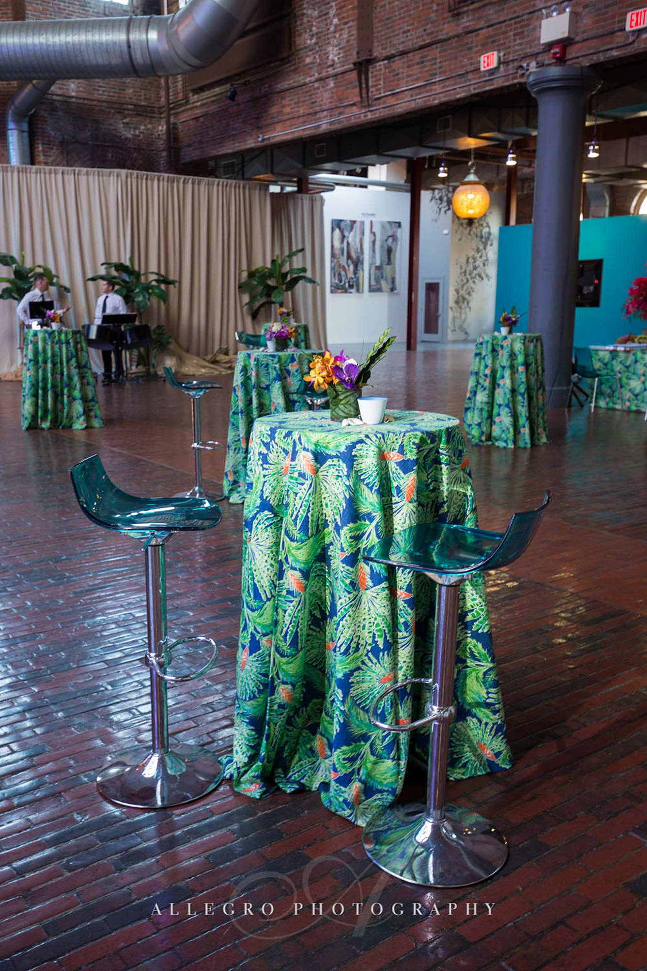 02_Corporate Client Appreciation Caribbean Theme Cocktail Table_AE Events.jpg