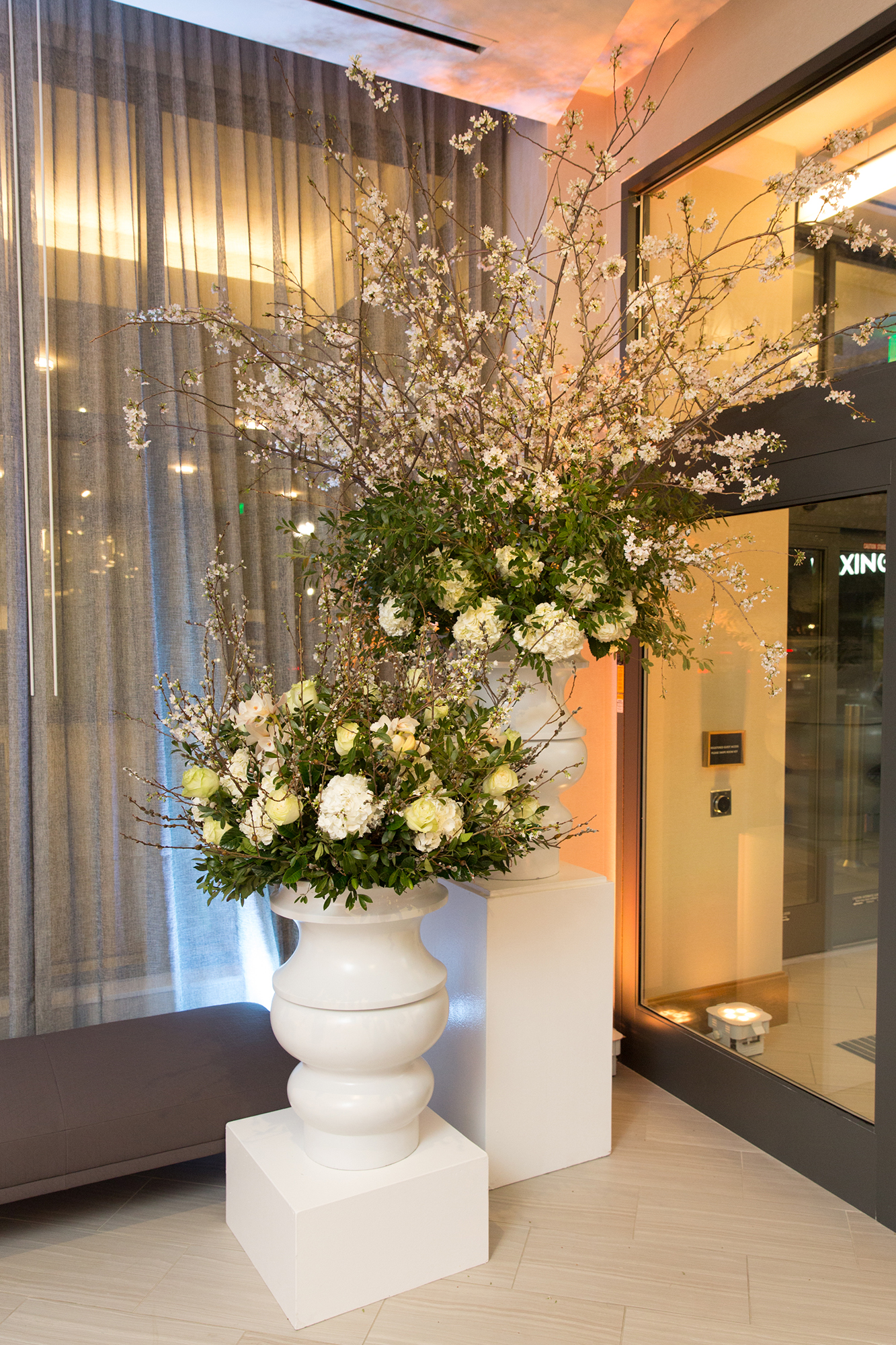 03_Corporate Marriott Opening Floral_AE Events.jpg