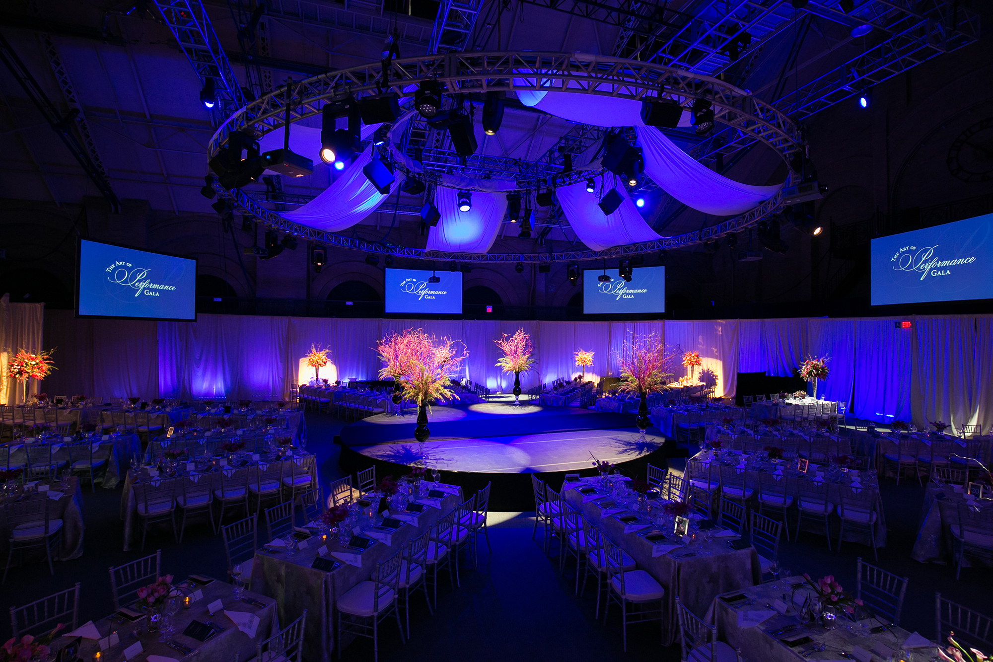01_Celebrity Series Non Profit Gala Stage_AE Events.jpg