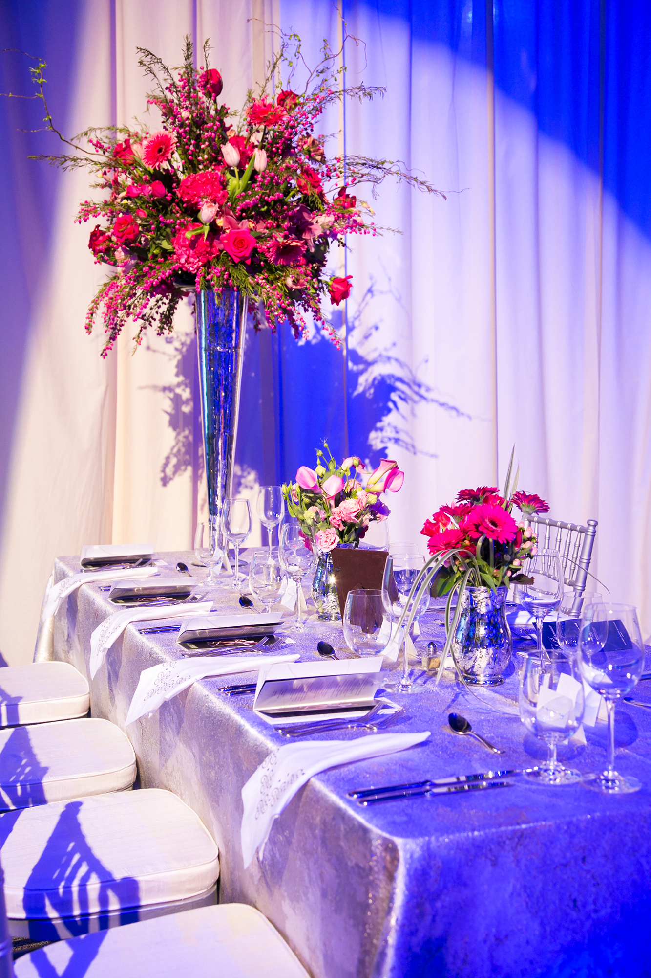 06_Celebrity Series Non Profit Gala Table Flower Details_AE Events.jpg