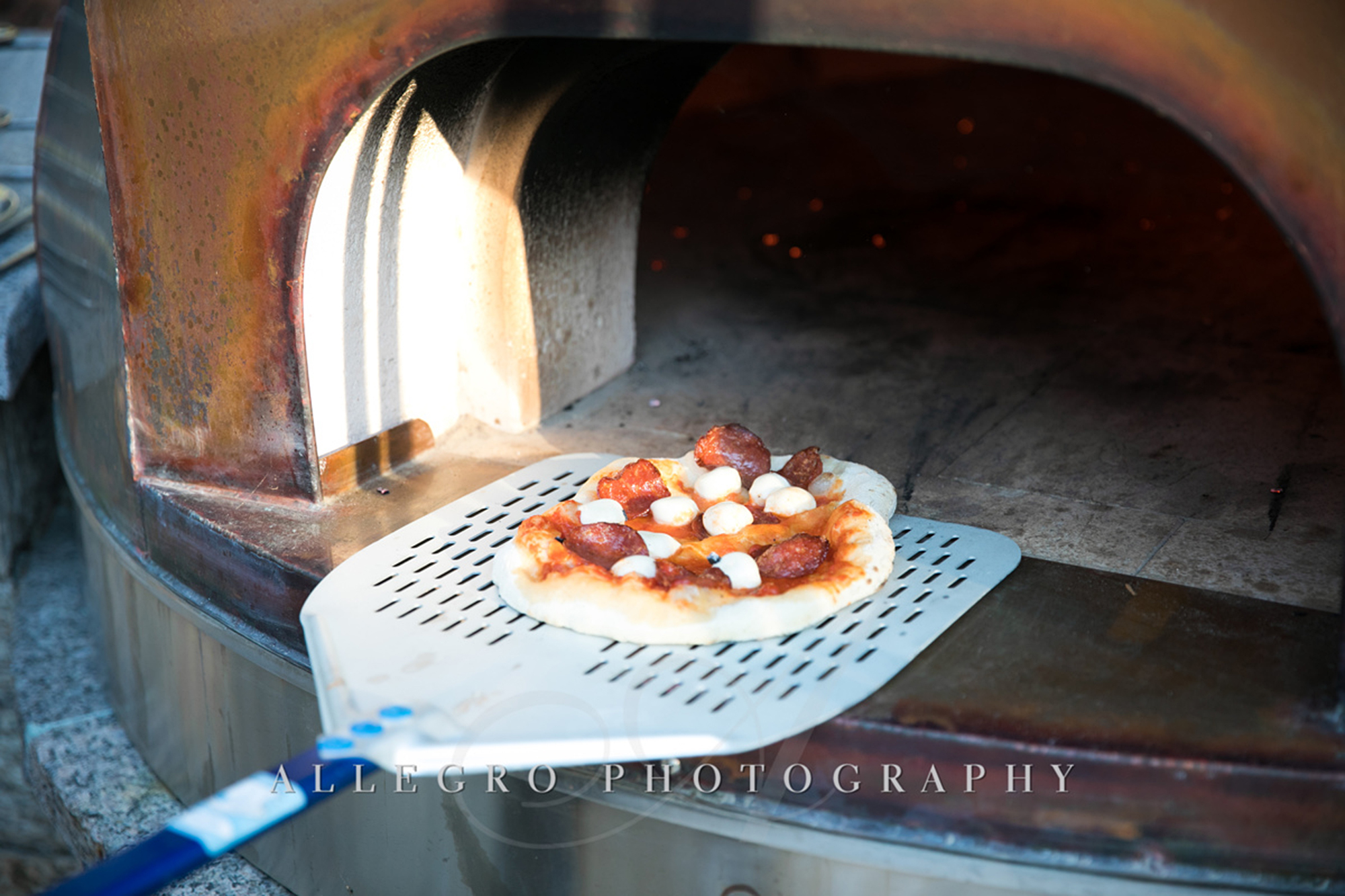 06_Private Engagement Party Food Pizza_AE Events.jpg