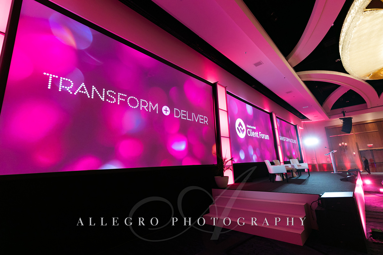 04_Corporate Meetings Conference Pink Stage_AE Events.jpg
