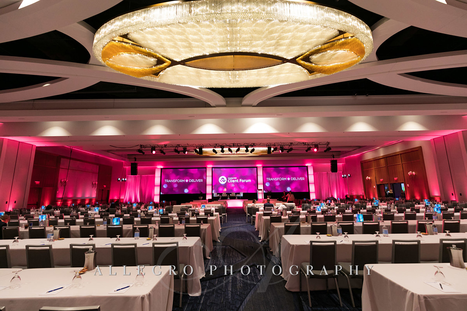 07_Corporate Meetings Conference Stage_AE Events.jpg