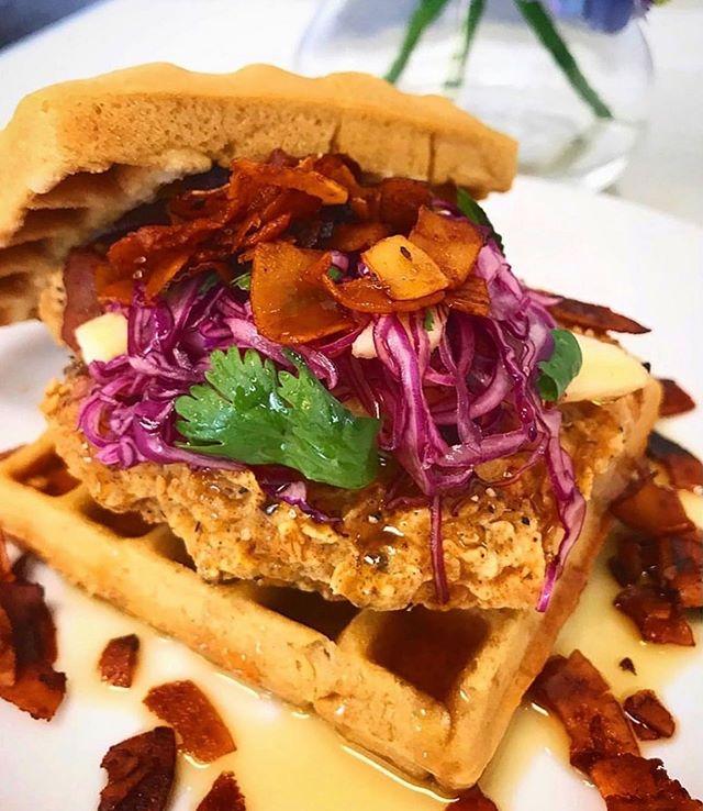 @threegirlsvegan giving us what vegan dreams are made of 🤤What do you wish there was a better plant-based version of?⠀ .⠀ .⠀ #plantbased #plantpower #plantpowered #whatveganseat #veganfoodshare #veganfood #veganaf #vegandining #nom #veganoptions #meatlessmonday #crueltyfree #healthy #healthyfood #eeeeeats #cleaneats #vegan #vegans ⠀
