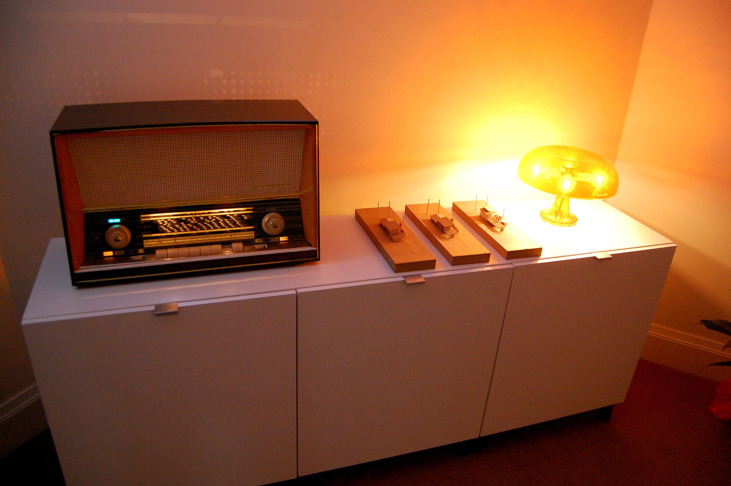 05-radio table.JPG