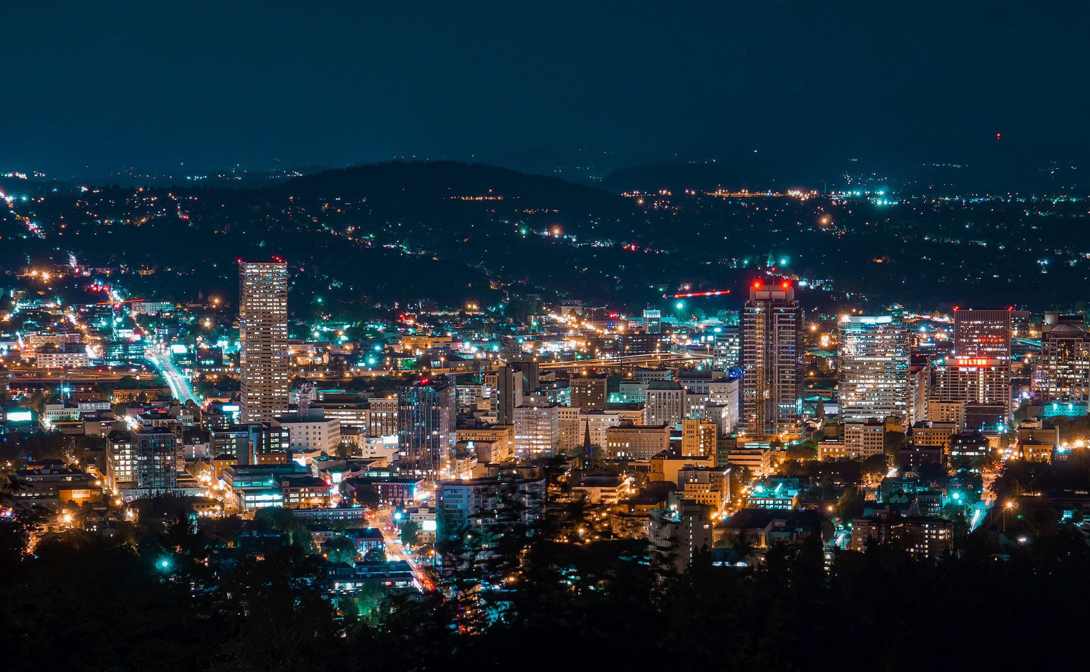 Portland skyline night.jpg