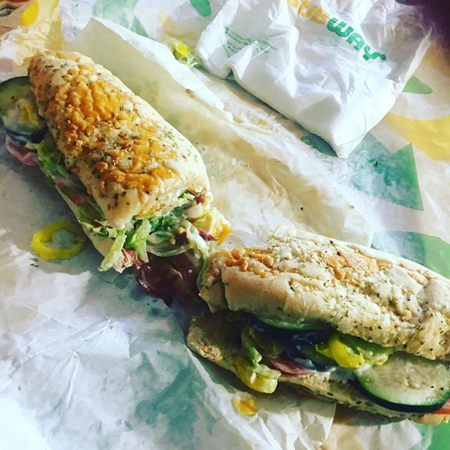 S/O lil bro @patrickn423 for this creation and masterpiece & S/O @subway for making it perfectly💯 I came up on bread and bologna so anybody who really kno me already kno how much I appreciate me a good sandwich but mane this right here a whole SAMMICH SAMMICH 🥪🥪💪🏽💯