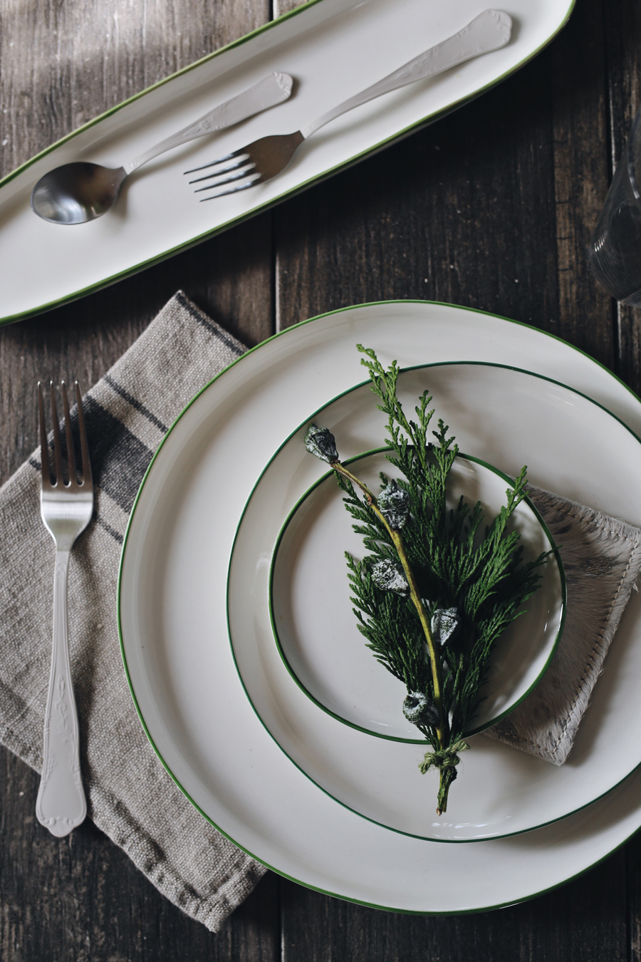 Green Abbesses Dishes | Canvas Home Holiday | Dine X Design