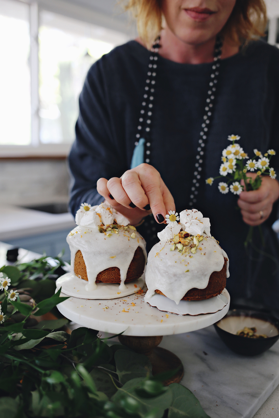 pumpkin-cakes-with-ginger-spiced-marshmallows-dine-x-design