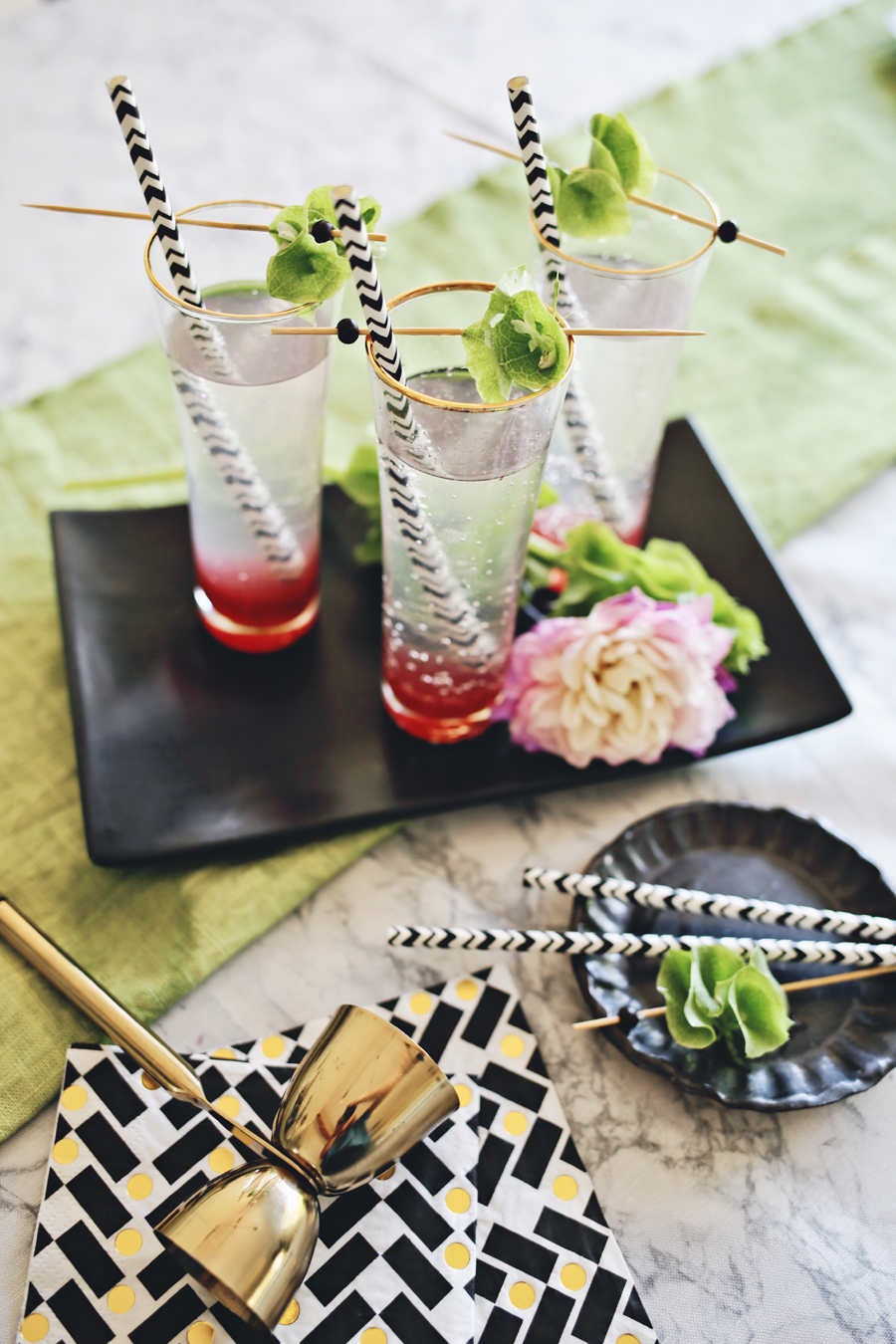 03_Graphic Table For Summer | Dine X Design