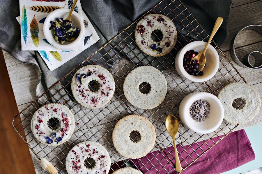 03_Blue-Pea-Flower-Shortbread-Cookies.jpg