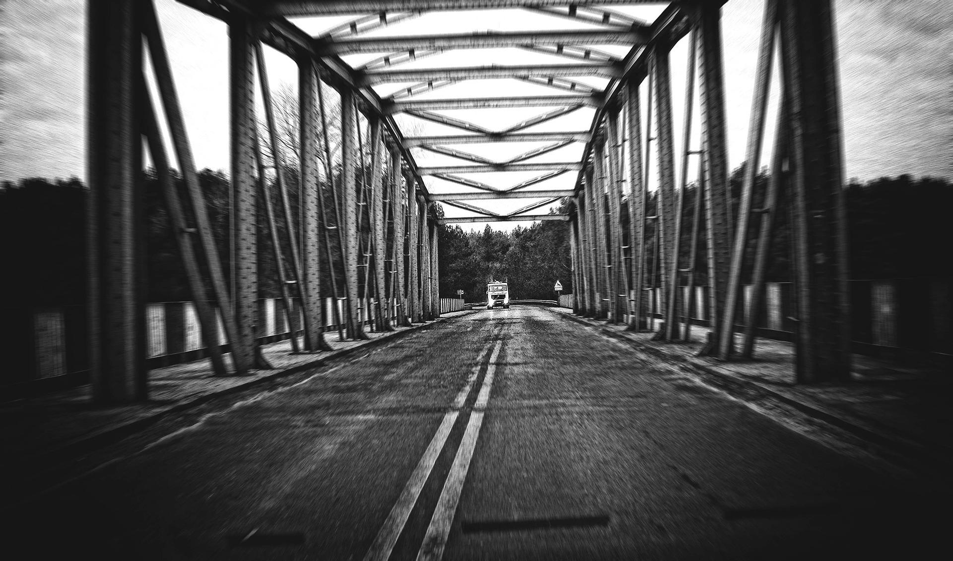 bridge-2891722_1920.jpg