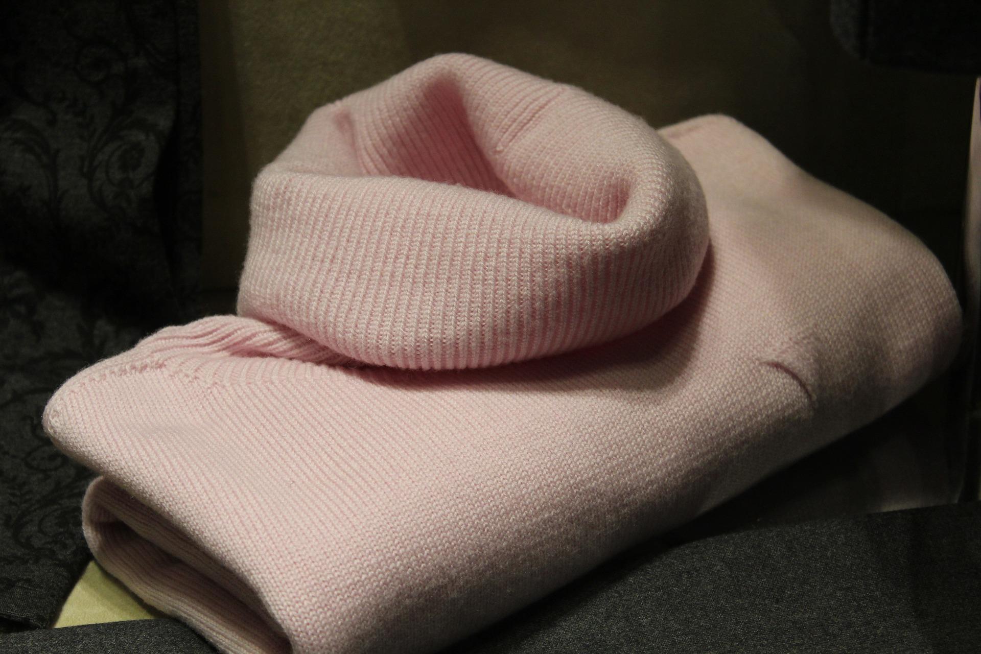 sweater-1222876_1920.jpg