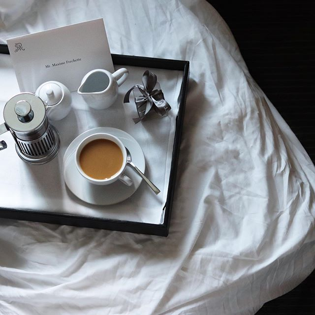 After having my coffee prepared by the butler service, I feel that it's something that I need in my life! Application is now open ! ☕️😂😅 . . . . . . . . . . . . . . . #FretteHotelStories  #frette #NewEraofGlamour #LiveExquisite  #makeyoursmilestyle #luxuryblogger #montrealblogger #toronto #coffee  #torontolife #mtlmoments #menfashion #fashionblogger #ButlerService #summervibes #suitedream #withlessdomore #discoverunder5k #summerfashion #livethelittlethings #stregis #coffeegram #th3rdwave #youwearitwell #highfashion #hotellife #travel #marriottbonvoy
