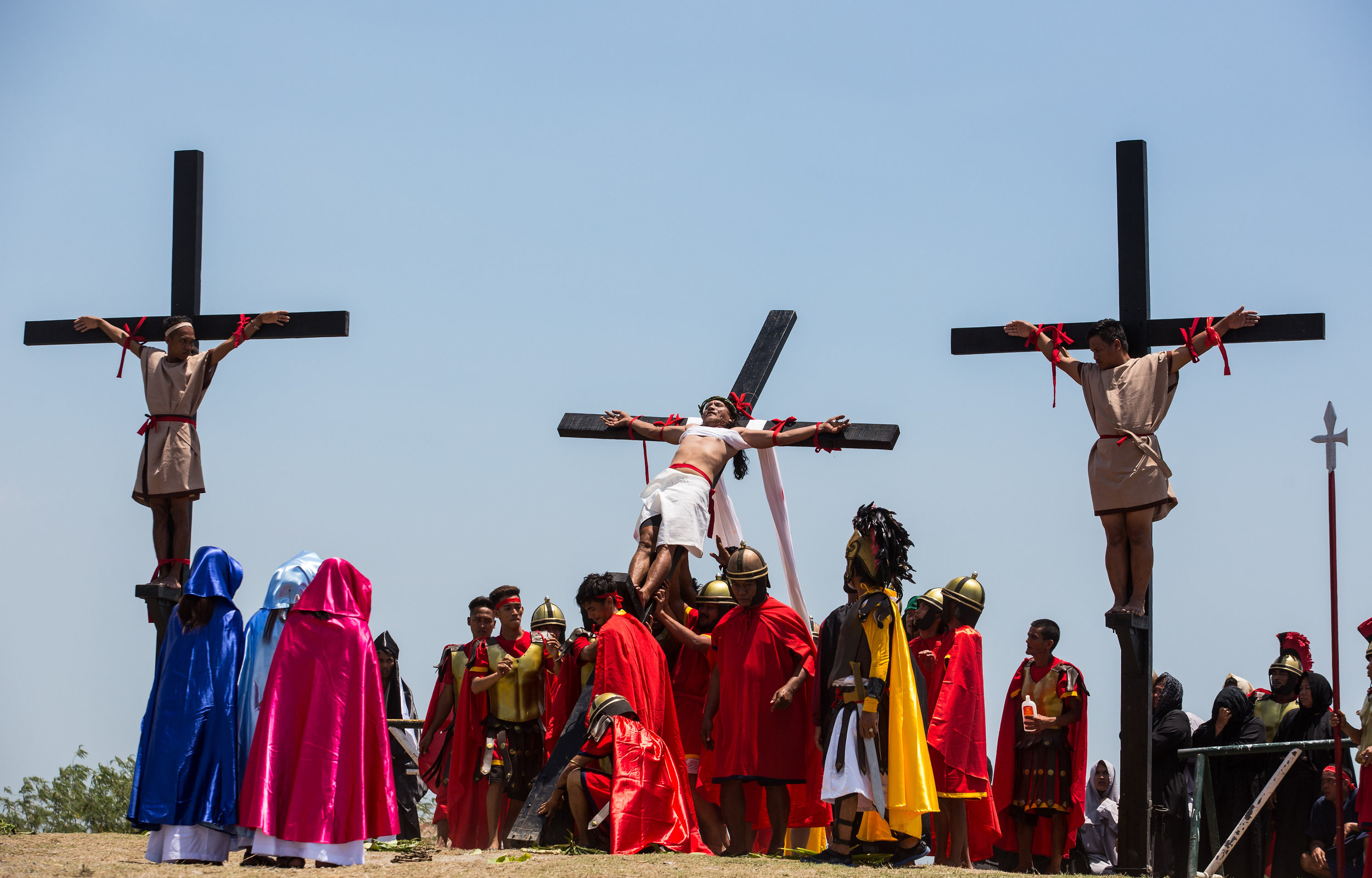 Filipino penitents self flagellating on Good Friday