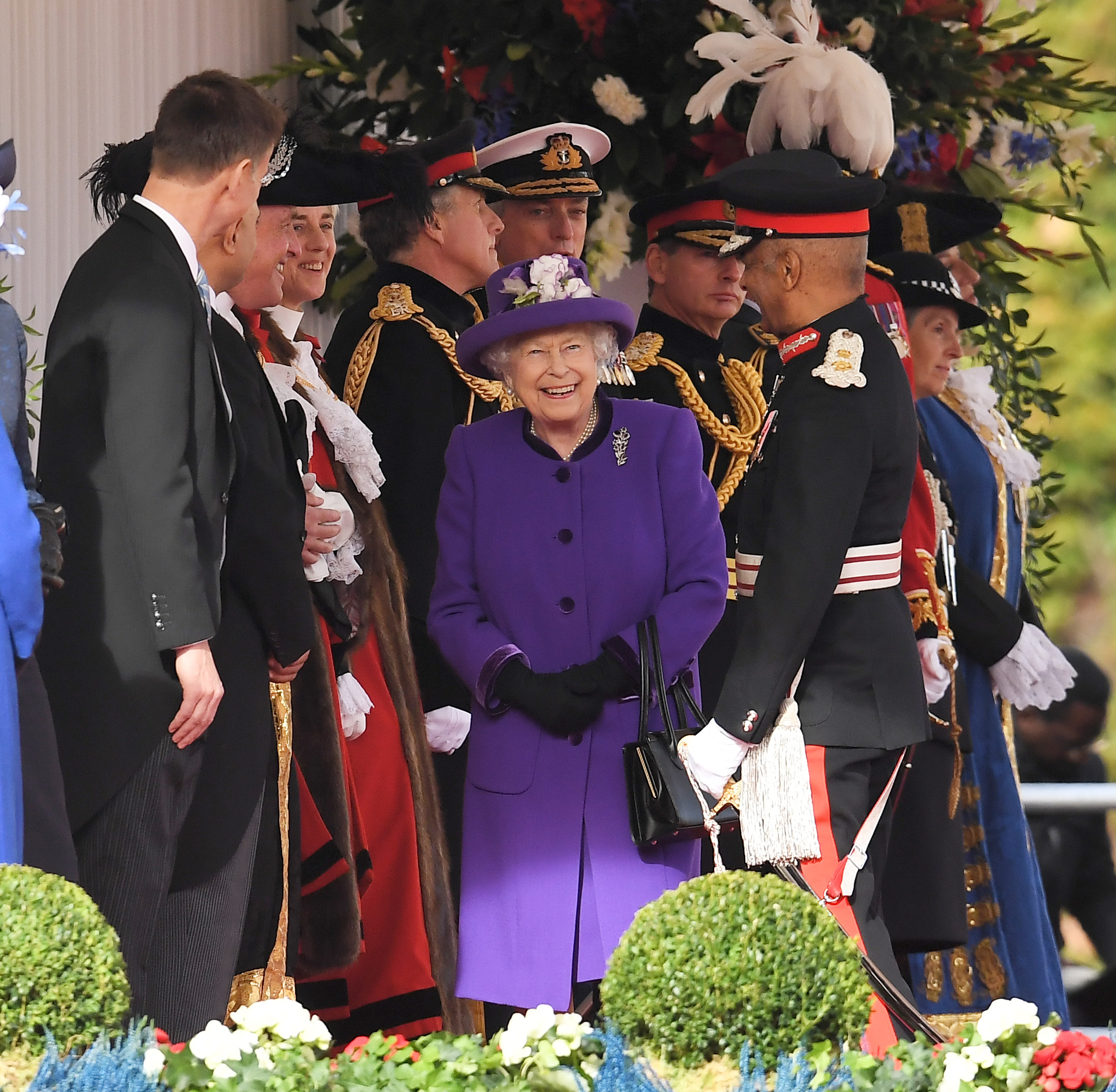 Jeremy Hunt and Queen Elizabeth II - Ceremonial Welcome at Horse Guards Parade