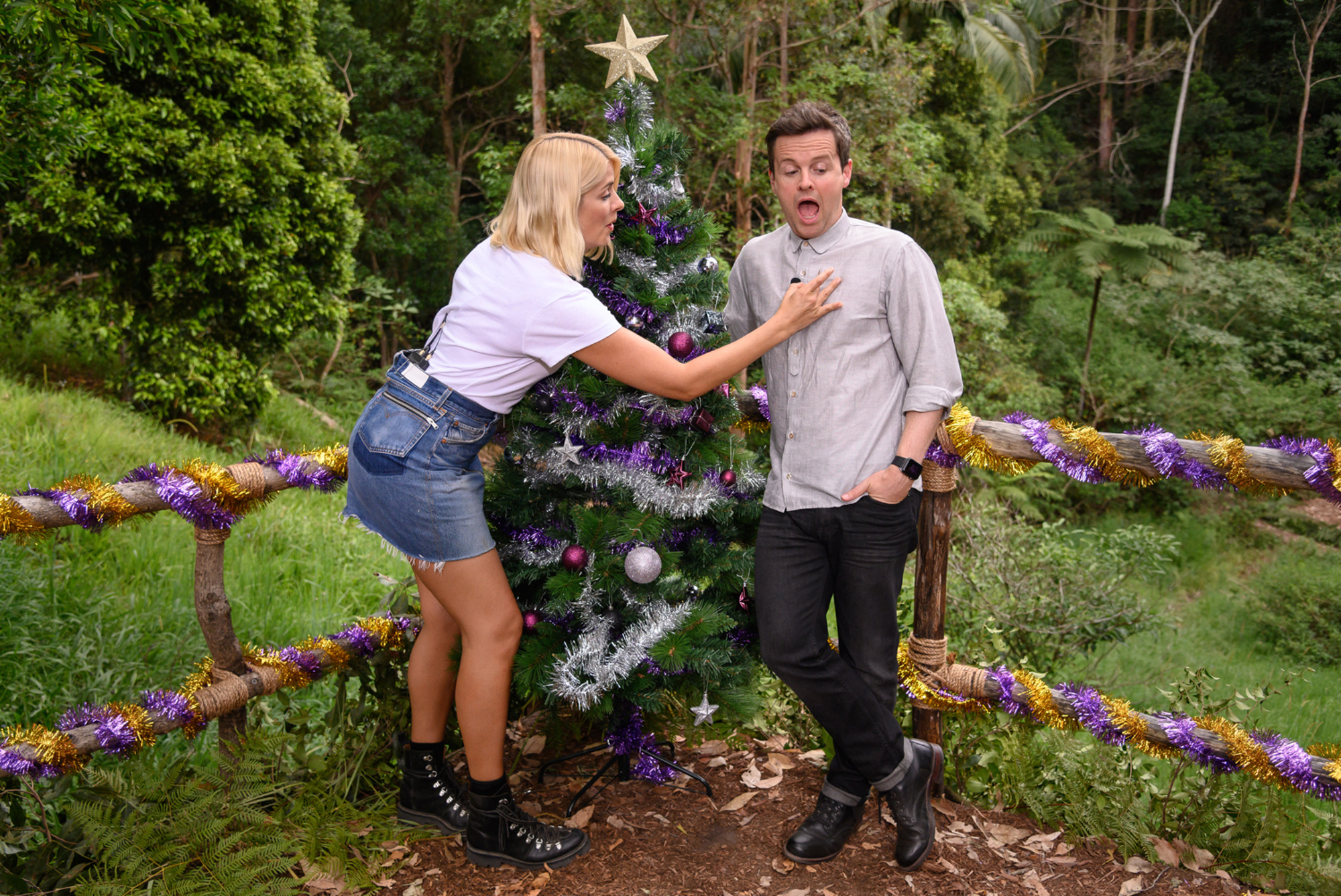 Holly Willougby brushing an ant off Dec