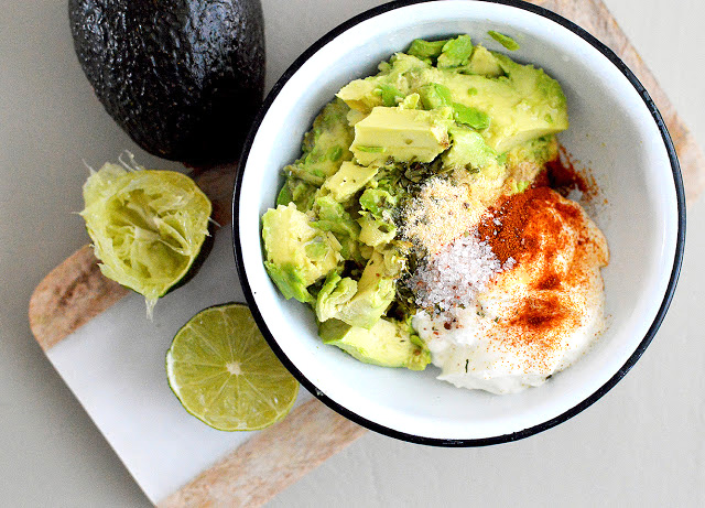 low-carb-keto-avocado-dip
