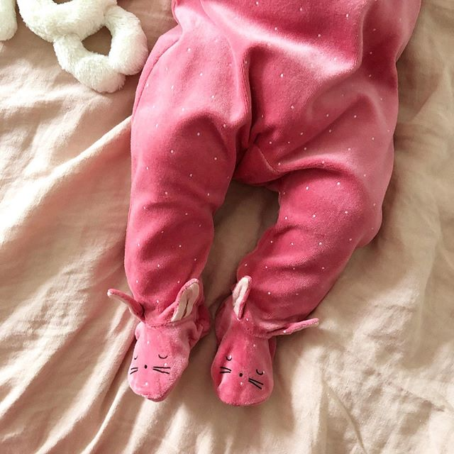 IT'S NOT EASTER But here's some Posey Bunny feet to make you smile #🐇 #kidsfashion #dspink #babygirl #hmkidsfashion @hm