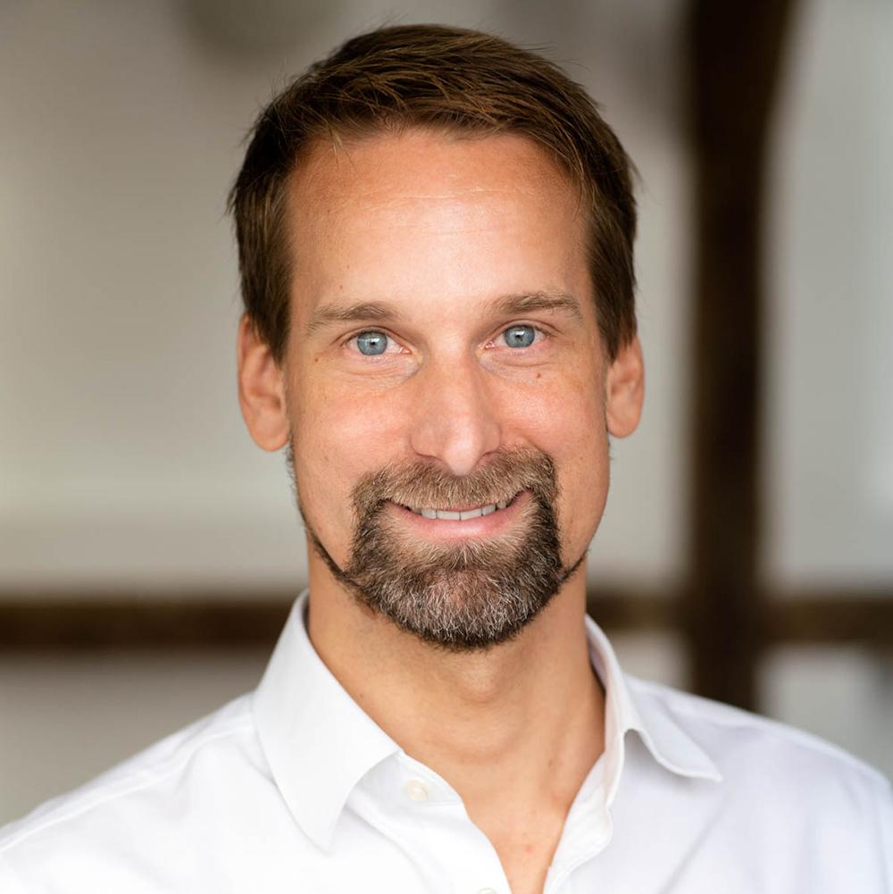 Dr. Alexander Zumdieck - Senior consultant