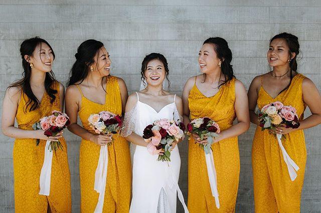 Bright like a sunshine ☀️ . . . #yellowdress #yellowbridesmaidsdresses @rose.tinted.flowers @heracouture @touchwoodvideography @zanda_photography #bridesmaids