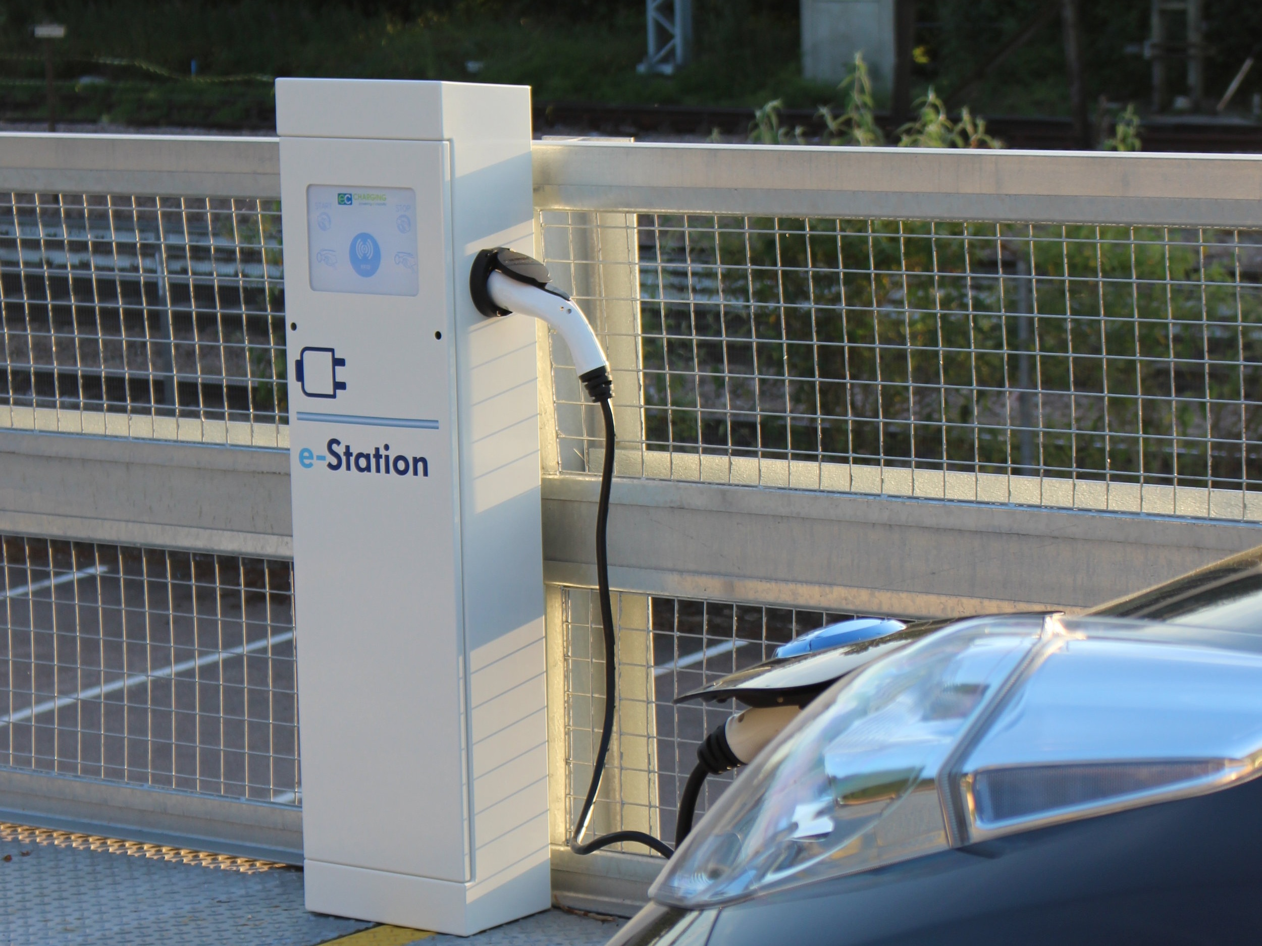 Public - Providing EV charging to local authorities and utilities