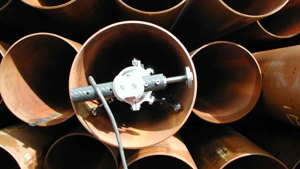 Measuring a pipe end in the pipe stack