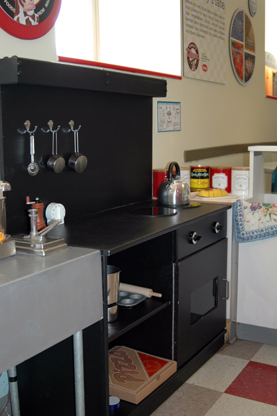 Exhib-diner-stove-full.jpg