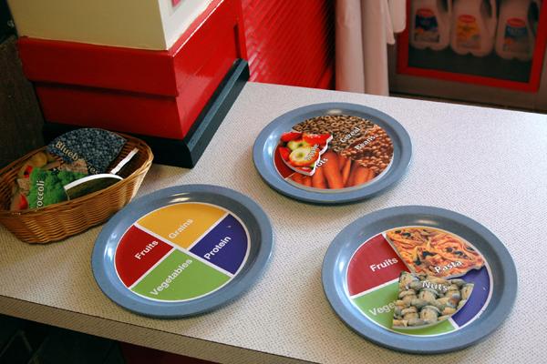 Exhib-diner-healthyplates-full.jpg