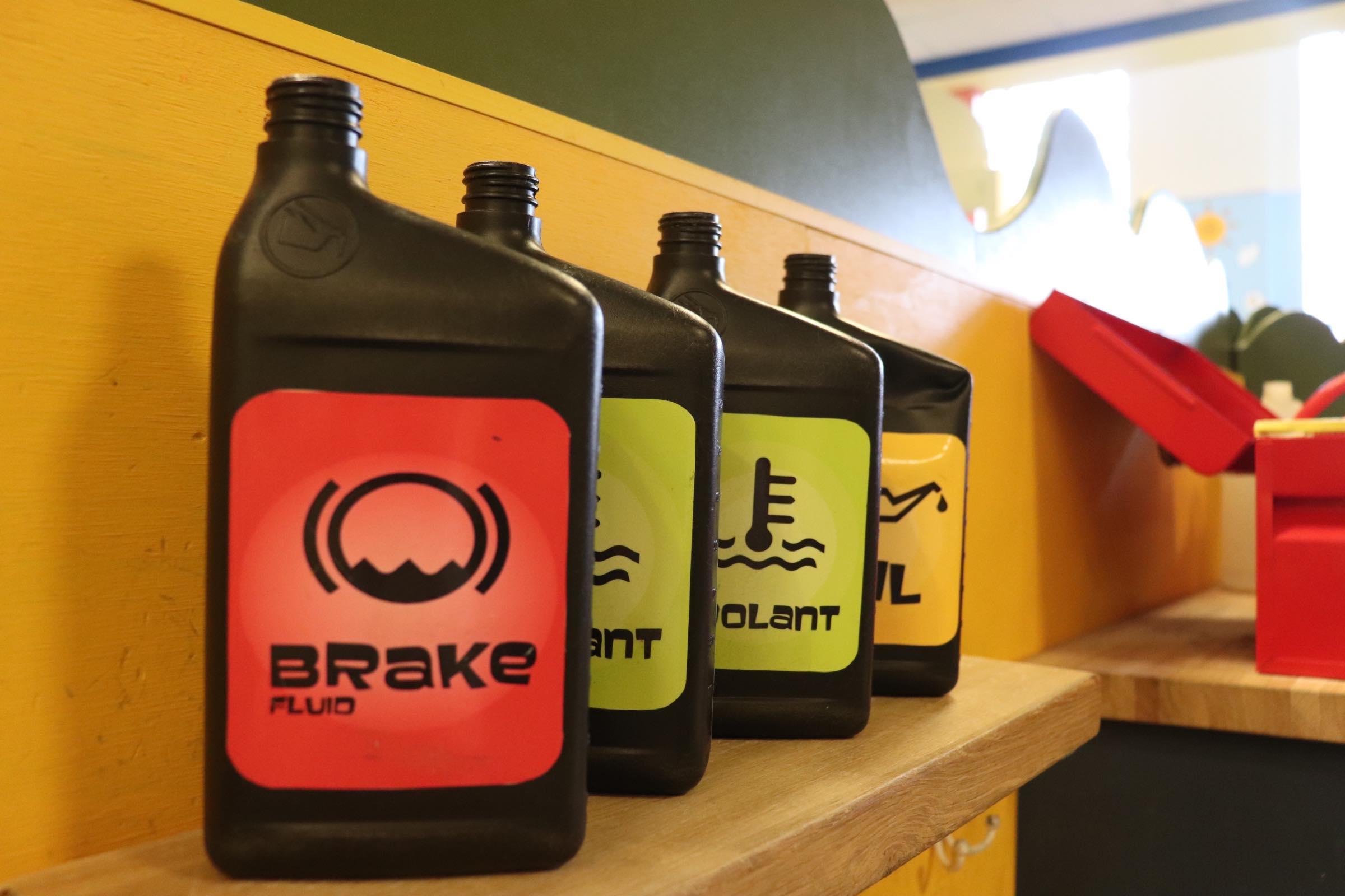 Car repair oils (Photo By Simone Verria).jpg