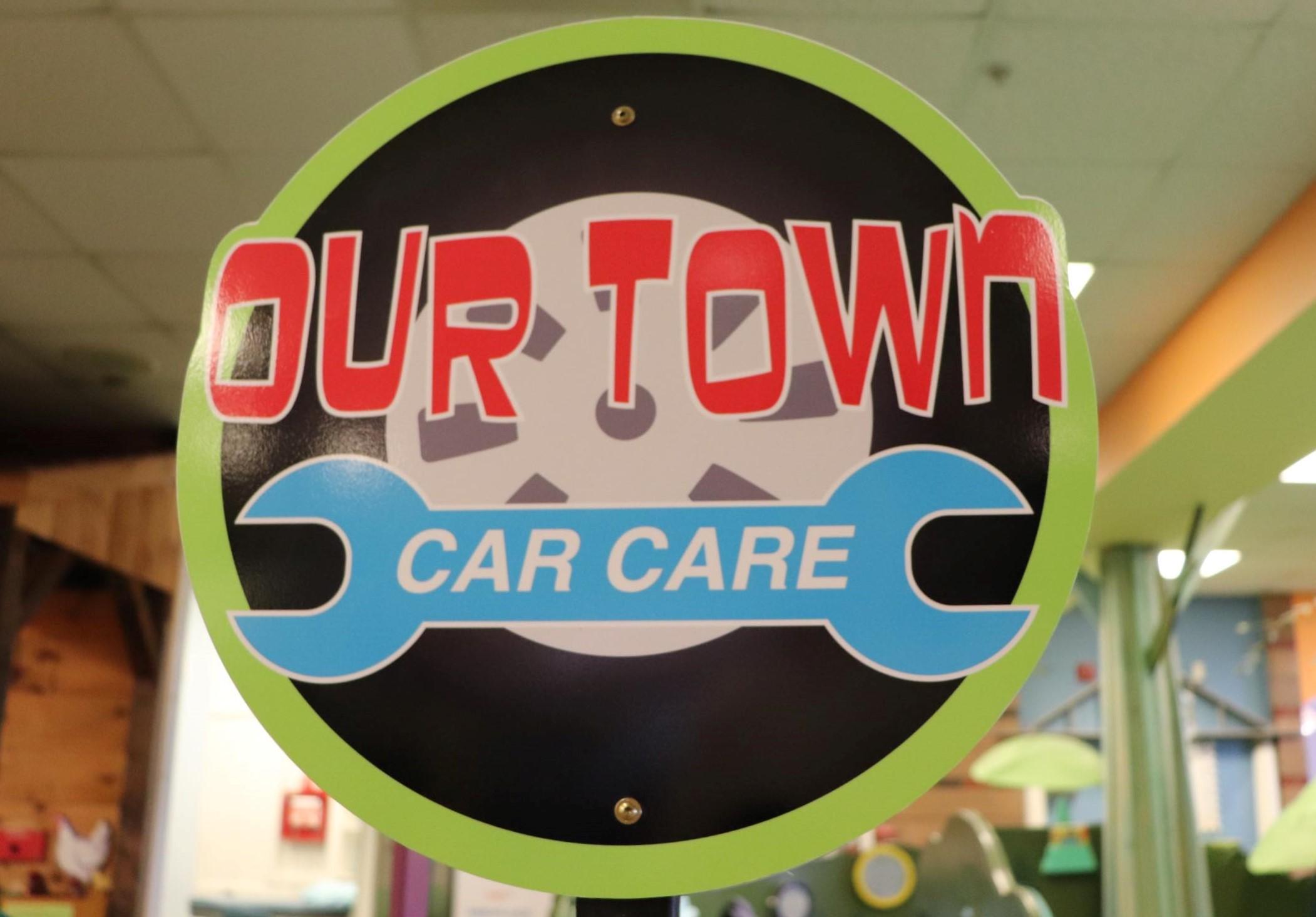 Car Care sign (Photo By Simone Verria).jpg
