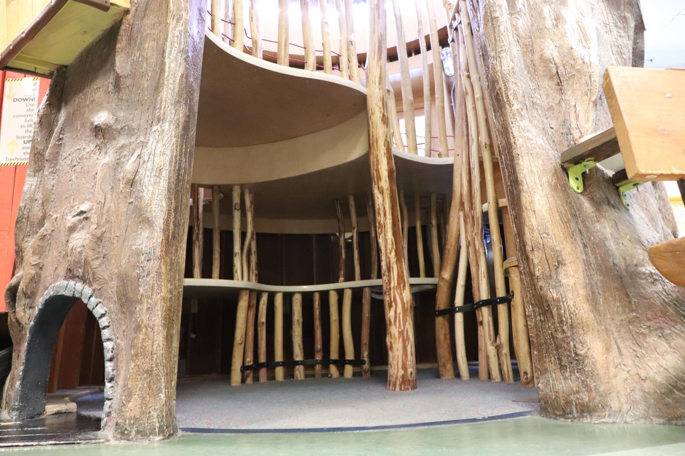 Interior treehouse (Photo By Simone Verria).jpg
